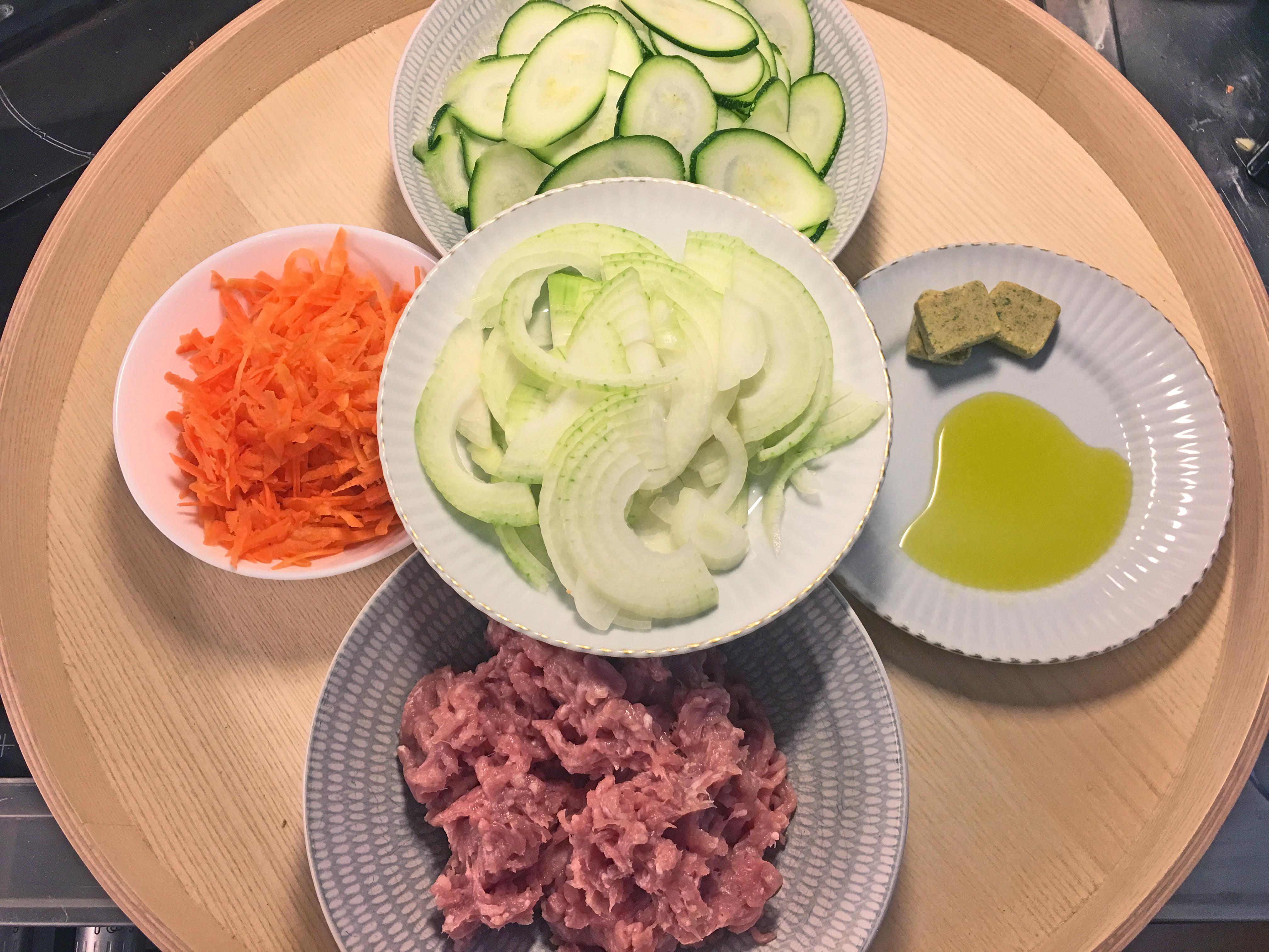 skivad zucchini i ugn